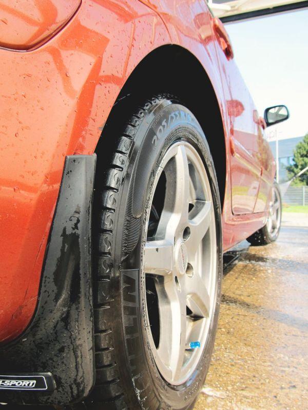 Find et godt udkast af dæk og fælge online